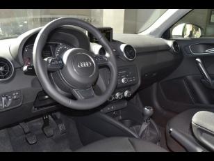 Foto 4 de Audi A1 1.6 TDI Attraction 66 kW (90 CV)