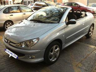 Foto 1 de Peugeot 206 1.6 CC 110CV