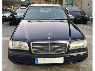 Foto 2 de Mercedes-Benz Clase C C 230 CLASSIC 110kW (150CV)
