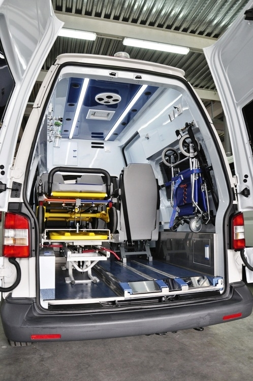 ambulancia-no-asistencial-o-de-traslado-colectivo-a2