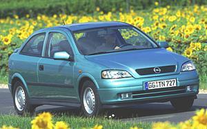 Opel Astra 2.0 DtI 16v Sportive  de ocasion en Guipuzcoa