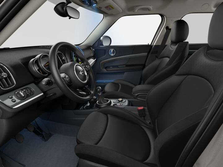 Vista Interior derecha del MINI Countryman Cooper S ALL4 141 kW (192 CV)