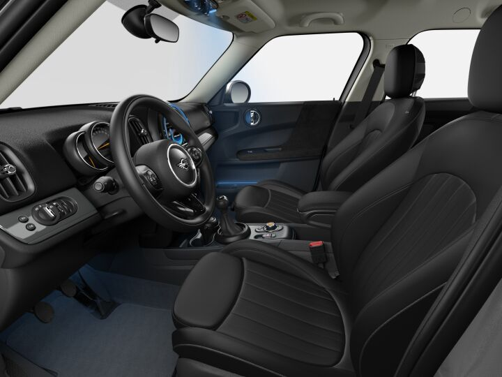 Vista Interior derecha del MINI Countryman Cooper D ALL4 110 kW (150 CV)