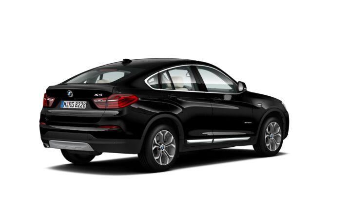 Vista Tres cuartos trasera izquierda del BMW X4 xDrive20d