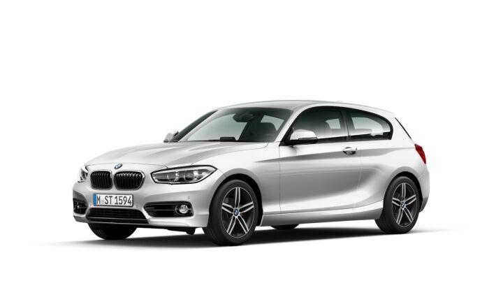 Vista Tres cuartos delantera izquierda del BMW Serie 1 118d