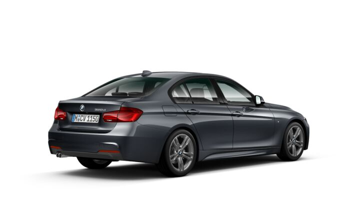 Vista Tres cuartos trasera izquierda del BMW Serie 3 320d
