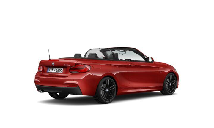 Vista Tres cuartos trasera izquierda del BMW Serie 2 218d Cabrio