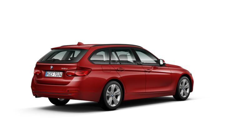 Vista Tres cuartos trasera izquierda del BMW Serie 3 318d Touring
