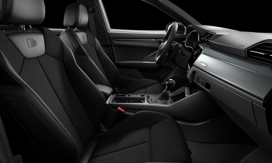 Vista Interior derecha de Audi Q3 35 TFSI Black line S Tronic 110 kW (150 CV)