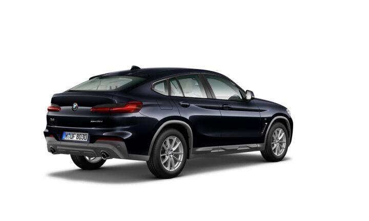 Vista Tres cuartos trasera izquierda del BMW X4 xDrive25d