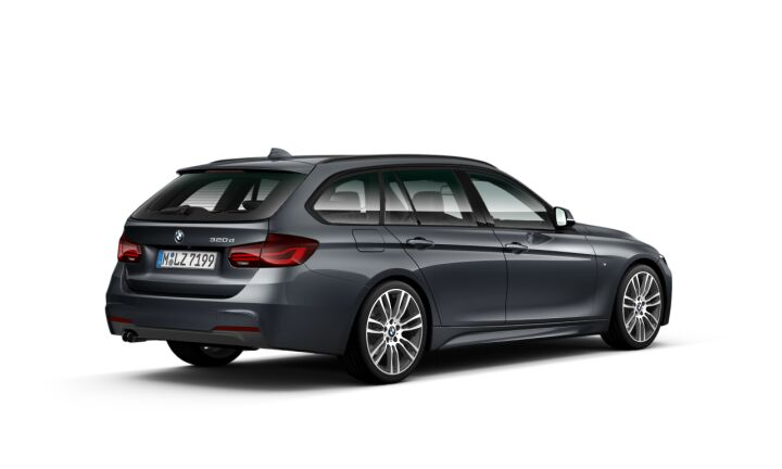 Vista Tres cuartos trasera izquierda del BMW Serie 3 320d Touring