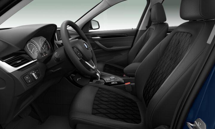 Vista Interior derecha de BMW X1 sDrive18i 103 kW (140 CV)
