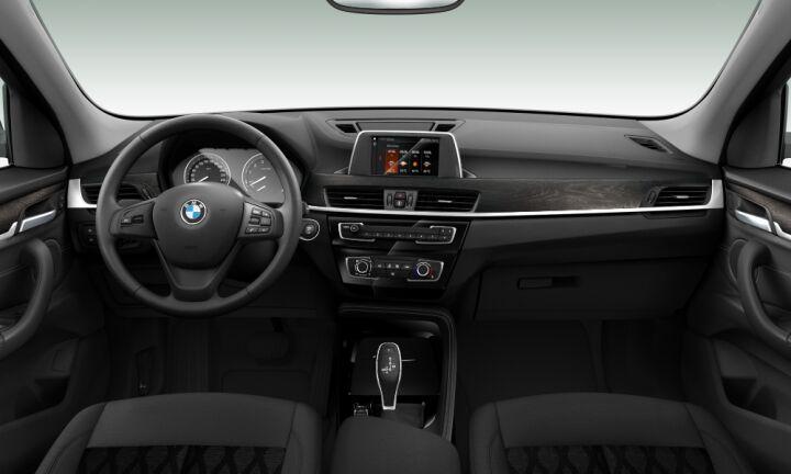 Vista Interior delantera de BMW X1 sDrive18i 103 kW (140 CV)
