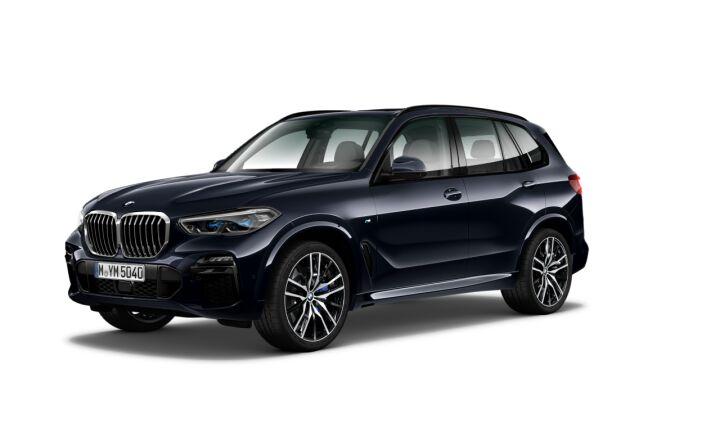 Vista Tres cuartos delantera izquierda del BMW X5 xDrive30d