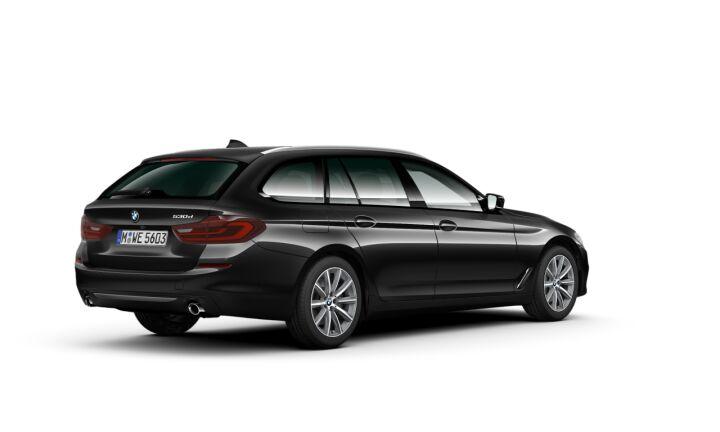 Vista Tres cuartos trasera izquierda del BMW Serie 5 530d Touring