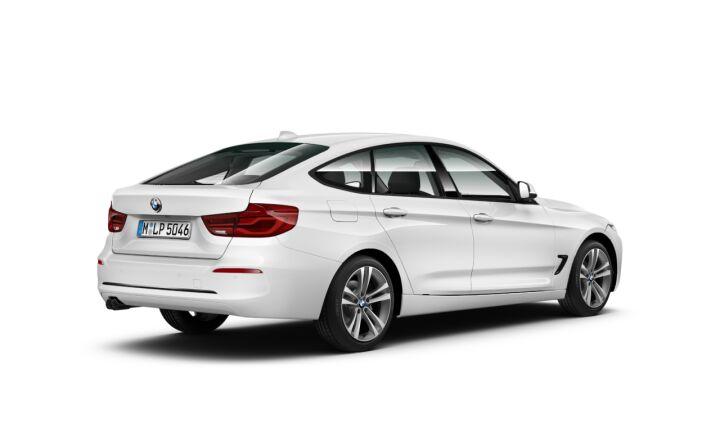 Vista Tres cuartos trasera izquierda del BMW Serie 3 320i Gran Turismo