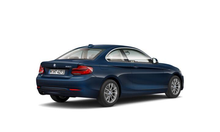Vista Tres cuartos trasera izquierda del BMW Serie 2 220i Coupe