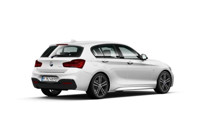 Vista Tres cuartos trasera izquierda del BMW Serie 1 118d