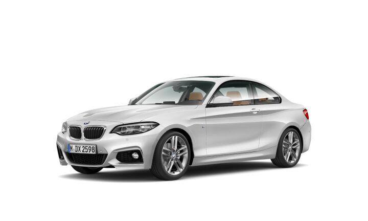 Vista Tres cuartos delantera izquierda del BMW Serie 2 220d Coupe