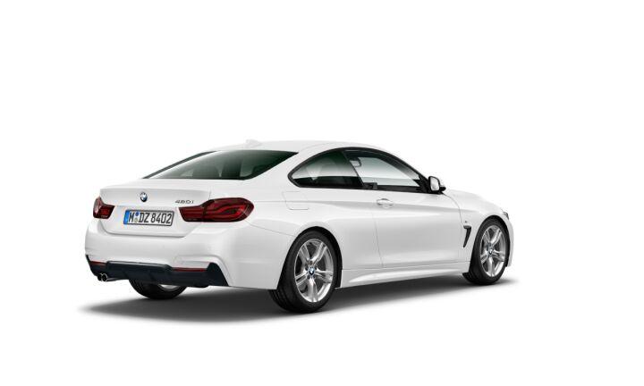 Vista Tres cuartos trasera izquierda del BMW Serie 4 420i Coupe