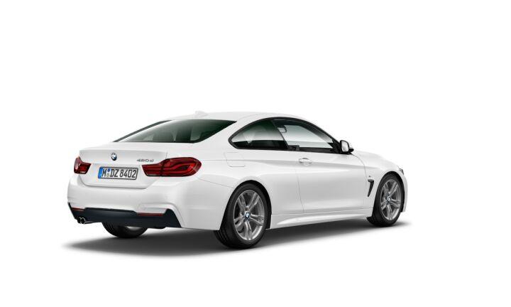 Vista Tres cuartos trasera izquierda del BMW Serie 4 420d Coupe