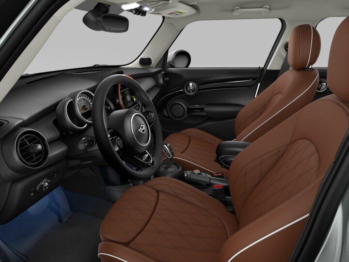 Vista Interior derecha del MINI 5 Puertas Cooper S 141 kW (192 CV)