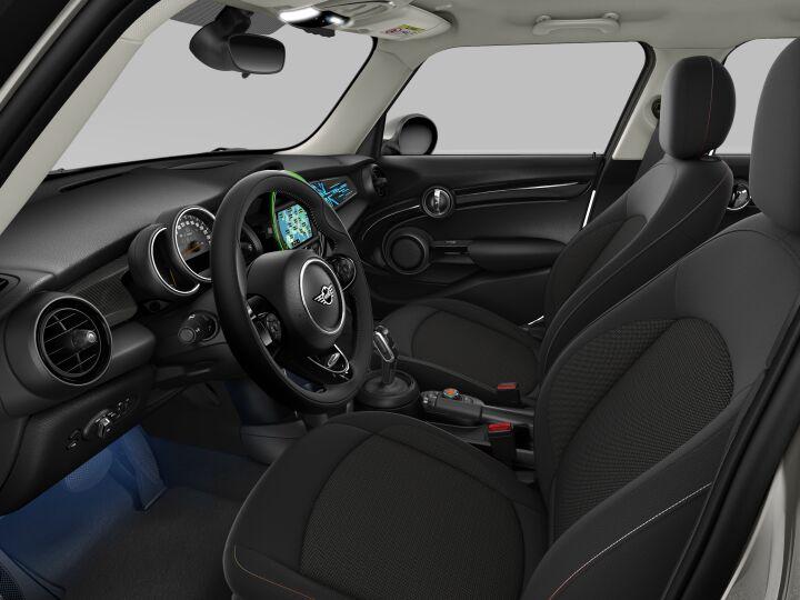 Vista Interior derecha del MINI 5 Puertas Cooper S 100 kW (136 CV)