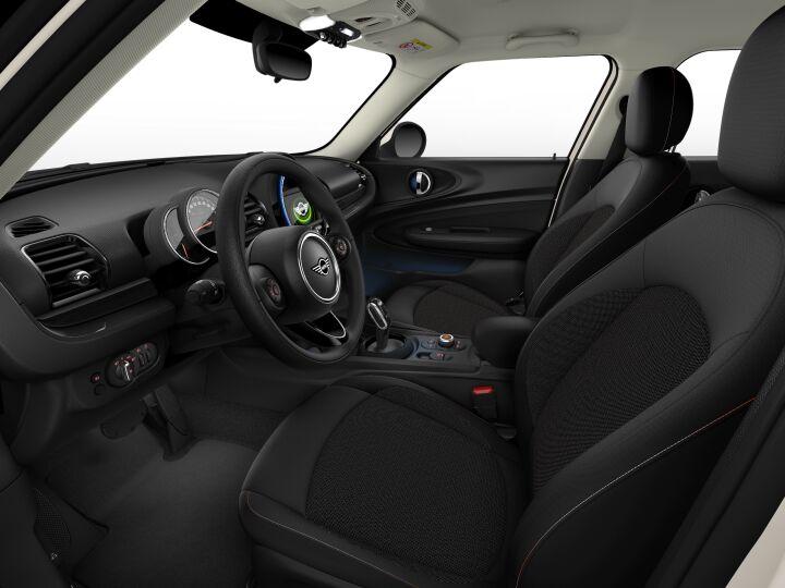 Vista Interior derecha del MINI Clubman One 75 kW (102 CV)