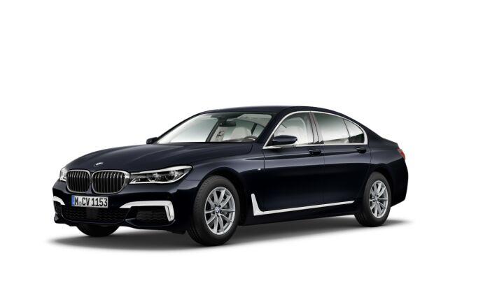 Vista Tres cuartos delantera izquierda del BMW Serie 7 730d