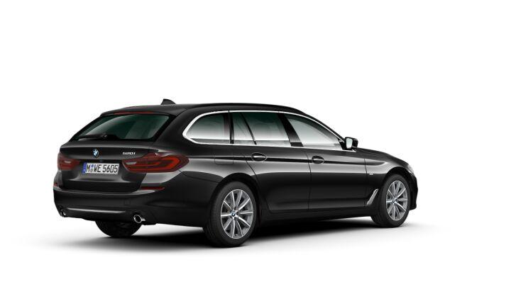 Vista Tres cuartos trasera izquierda del BMW Serie 5 520i Touring