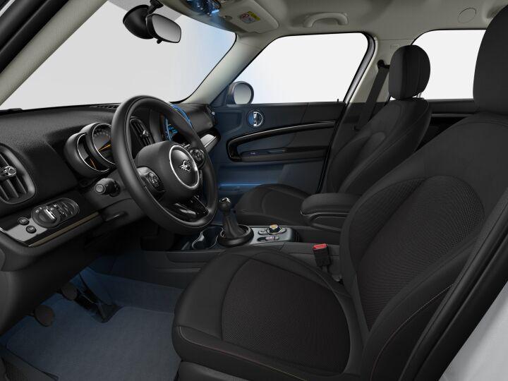 Vista Interior derecha del MINI Countryman One 75 kW (102 CV)