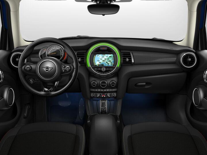 Vista Interior delantera del MINI 5 Puertas Cooper 100 kW (136 CV)