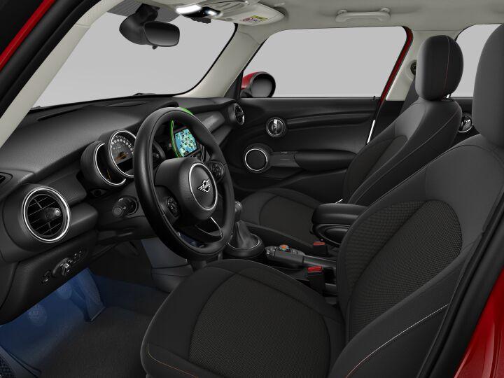 Vista Interior derecha del MINI 5 Puertas COOPER 100 kW (136 CV)