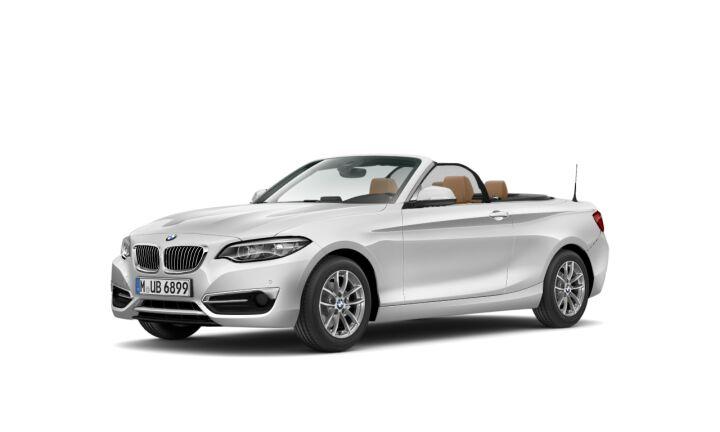 Vista Tres cuartos delantera izquierda del BMW Serie 2 218i Cabrio