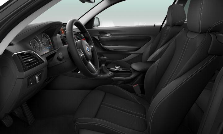 Vista Interior derecha del BMW Serie 1 118i 100kW (136CV)