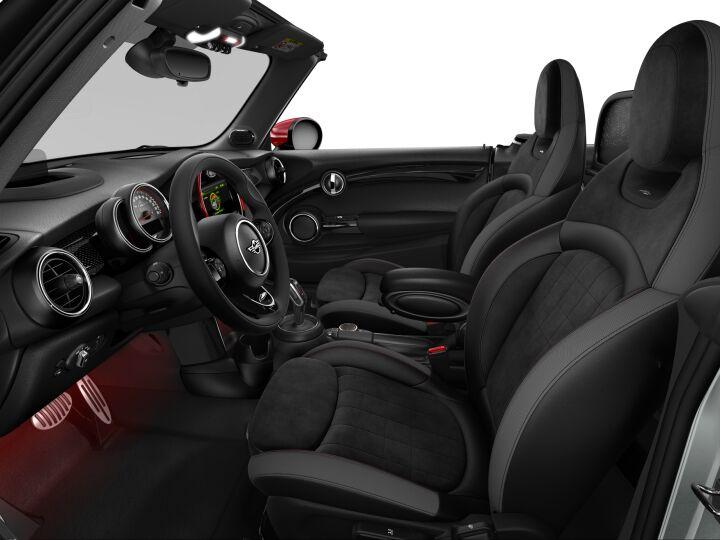 Vista Interior derecha del MINI Cabrio John Cooper Works 170 kW (231 CV)