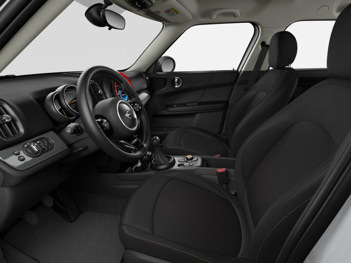 Vista Interior derecha del MINI Countryman One 75 kW (102 CV)