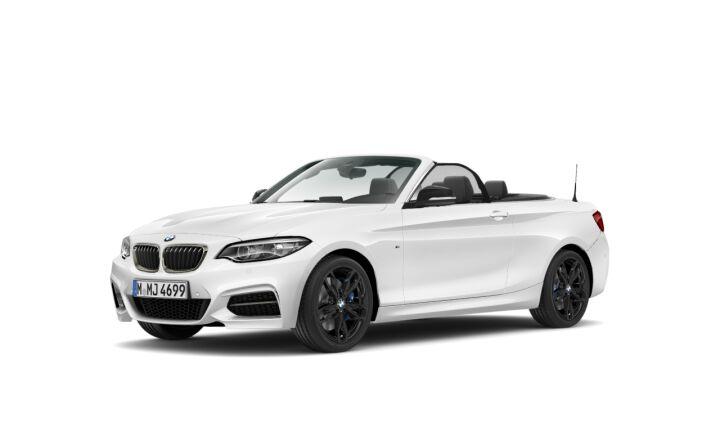 Vista Tres cuartos delantera izquierda del BMW Serie 2 M240i Cabrio