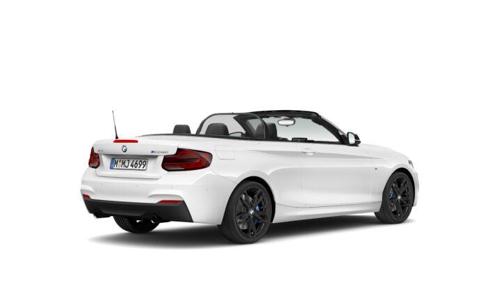 Vista Tres cuartos trasera izquierda del BMW Serie 2 M240i Cabrio