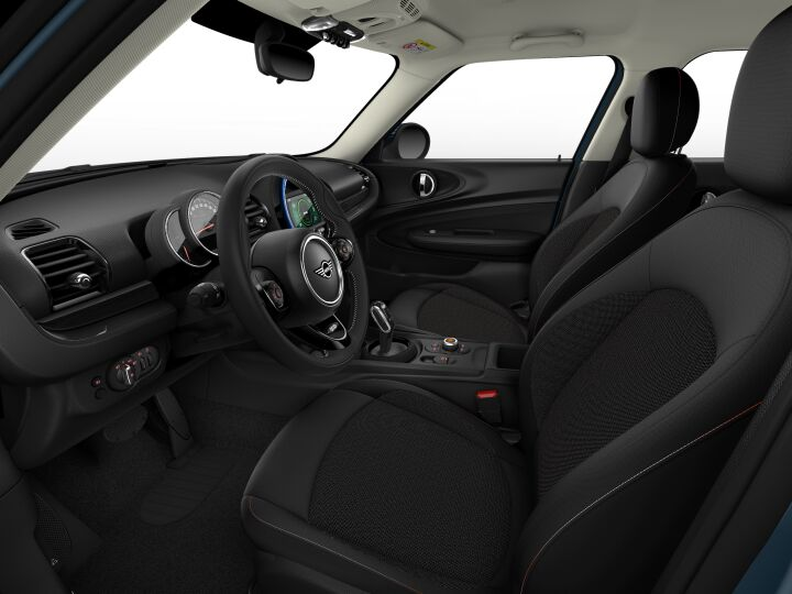 Vista Interior derecha del MINI Clubman One D 85 kW (116 CV)