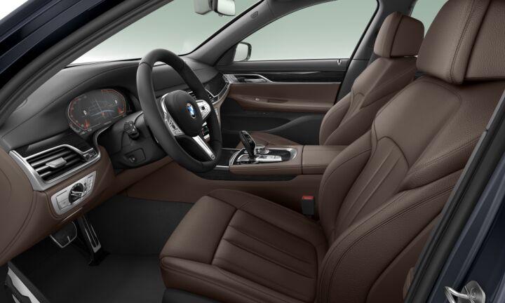 Vista Interior derecha del BMW Serie 7 740i