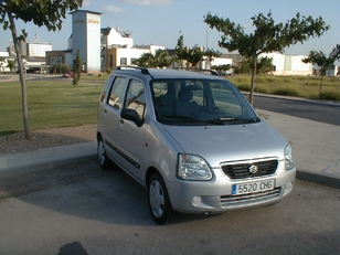 Foto 1 Suzuki Wagon R+ 1.3 GL 56kW (76CV)