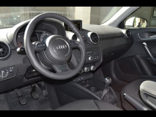 Foto 4 de Audi A1 1.6 TDI Attraction 66 kW (90 CV)