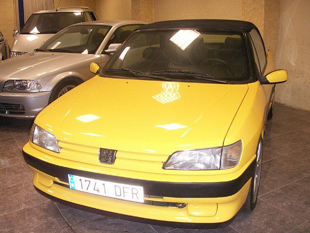 peugeot 306 cabriolet 1 6 de segunda mano por 3500 motorflash. Black Bedroom Furniture Sets. Home Design Ideas