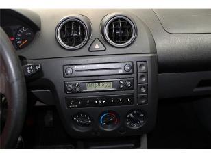 Foto 3 de Ford Fiesta 1.4 Trend 59kW (80CV)