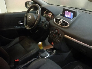 Foto 3 de Renault Clio TCe 100 Tom Tom Edit. 74kW (100CV)