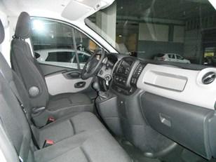 Foto 3 de Renault Trafic dCi 115 Furgon 29 L2H1 84kW (115CV)