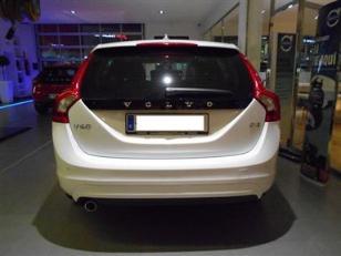 Foto 2 de Volvo V60 D3 Momentum Auto 100kW (136CV)