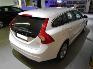 Foto 3 de Volvo V60 D3 Momentum Auto 100kW (136CV)