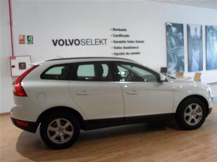 Foto 2 de Volvo XC60 2.0 D3 Momentum Auto 100 kW (136 CV)